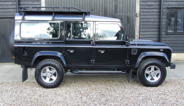 Land Rover 110 Defender XS 2.2 D Station Wagon With Roof Rack: df3
