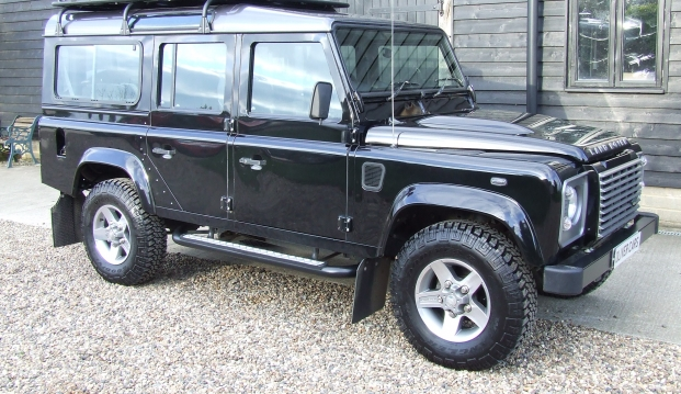 Land Rover 110 Defender XS 2.2 D Station Wagon With Roof Rack: df13