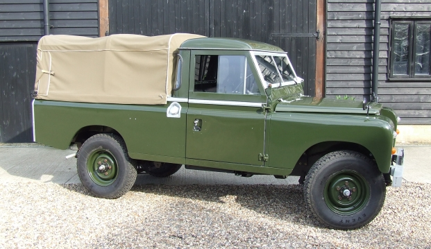 Land Rover Series 2 A 109 Pick Up: lr3
