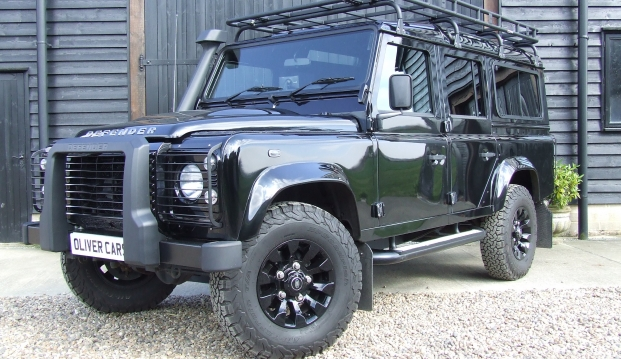 Land Rover Defender 110 XS County Station Wagon