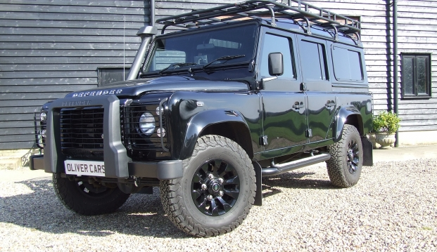 Land Rover Defender 110 XS County Station Wagon: sf4
