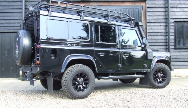 Land Rover Defender 110 XS County Station Wagon: sf6