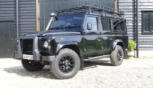 Land Rover Defender 110 XS County Station Wagon: sf17