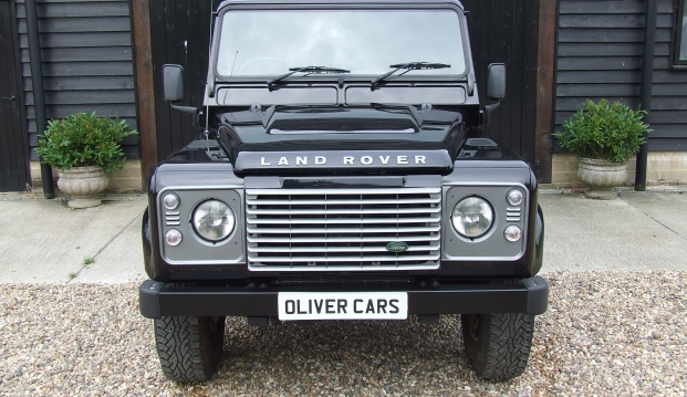 Land Rover Defender 90 XS County Station Wagon: lr5
