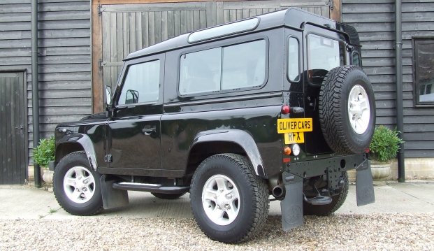 Land Rover Defender 90 XS County Station Wagon: l8