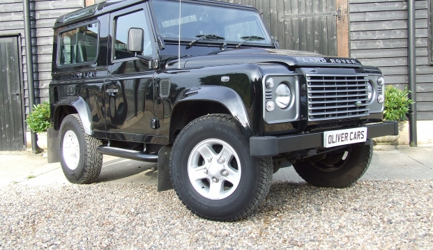 Land Rover Defender 90 XS County Station Wagon: lr15