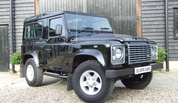 Land Rover Defender 90 XS County Station Wagon: lr16