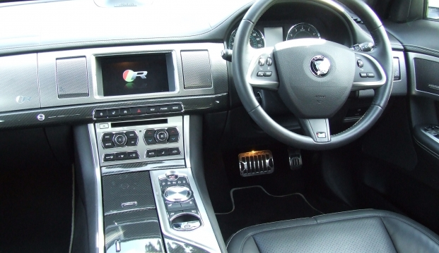 Jaguar XF-R 5.0 V8 Supercharged (510ps): j17