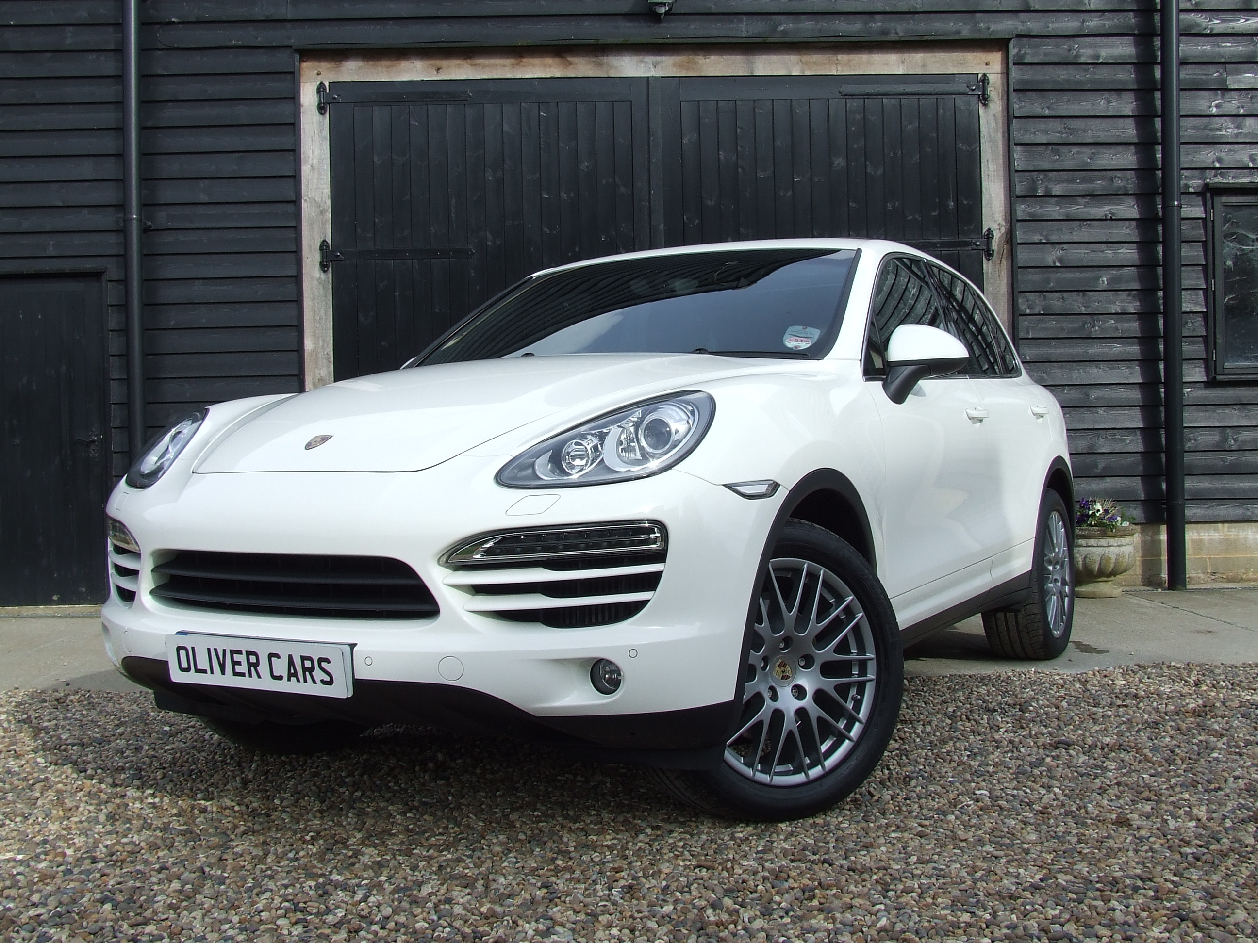 porsche cayenne v6 diesel 8 speed tiptronic s auto start stop oliver cars ltd. Black Bedroom Furniture Sets. Home Design Ideas