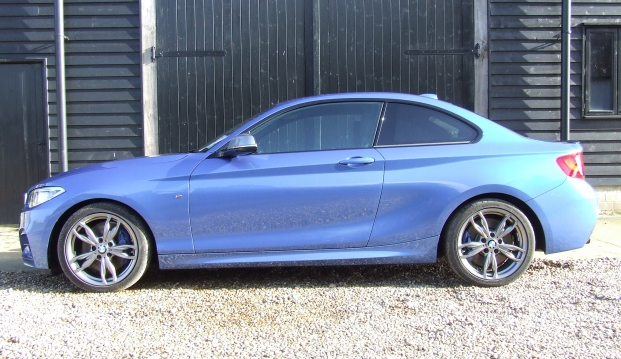 BMW M235i Coupe: 235 4