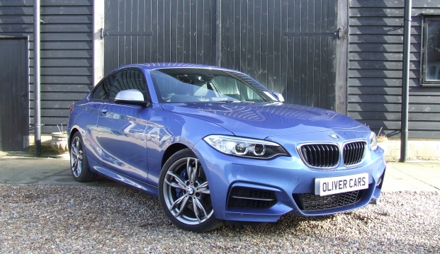 BMW M235i Coupe: 235 9