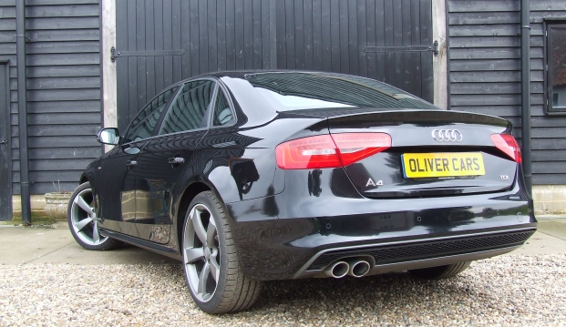 Audi A4 Black Edition 2.0 TDI (143)