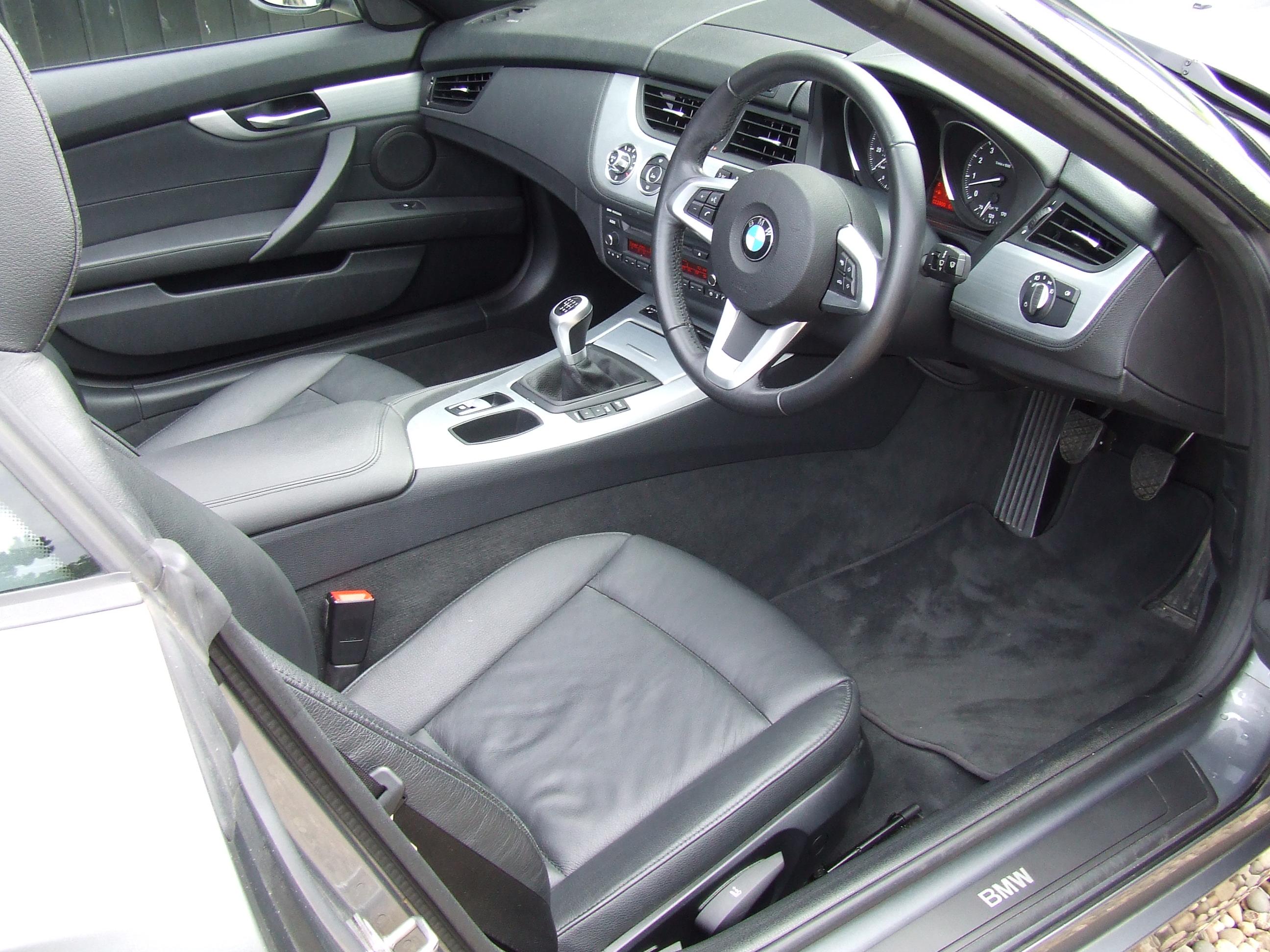 bmw z4 2 5 s drive23i roadster oliver cars ltd. Black Bedroom Furniture Sets. Home Design Ideas
