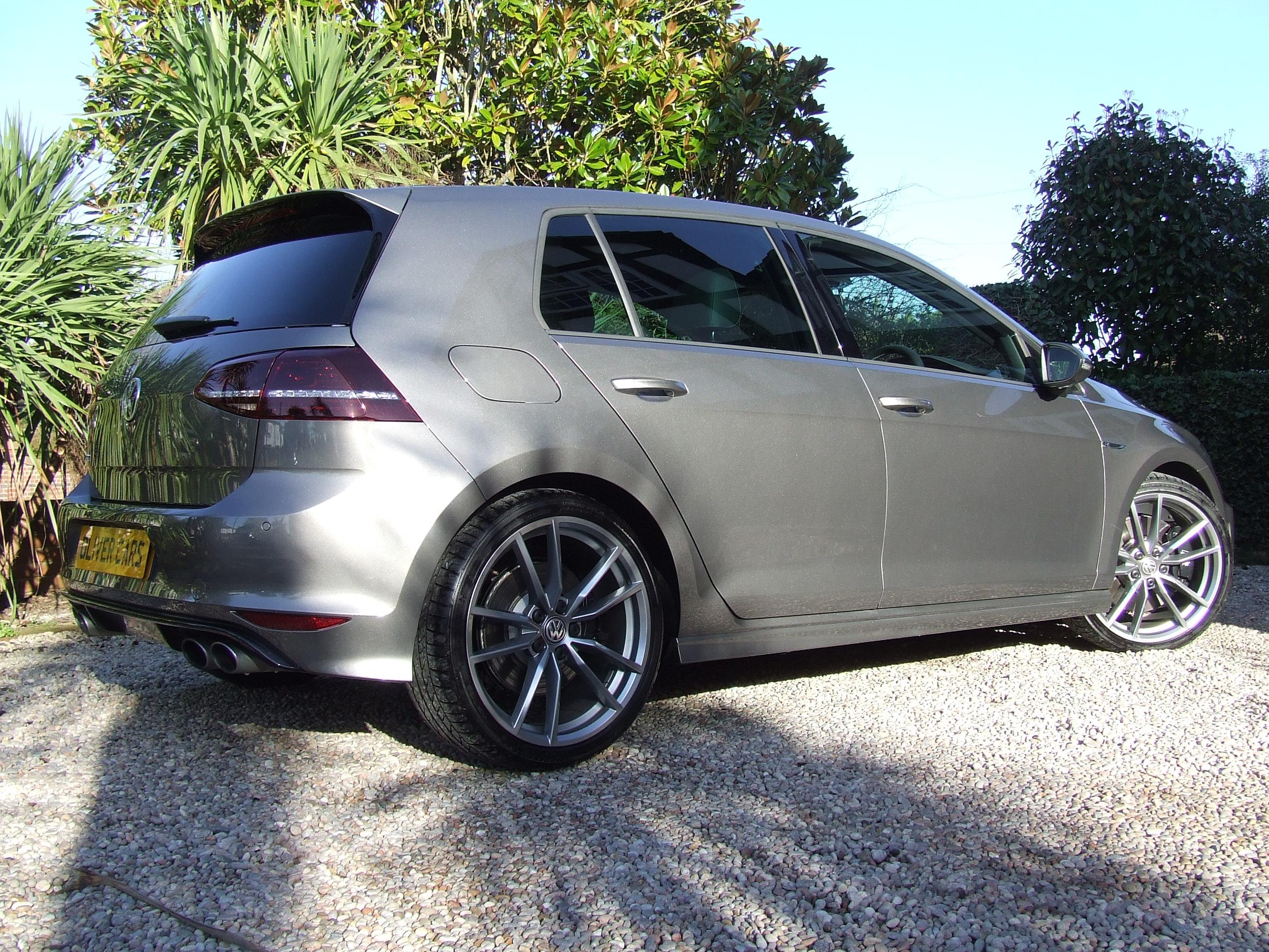 Volkswagen Golf 2.0 TSI R Bluemotion Tech DSG - Oliver ...